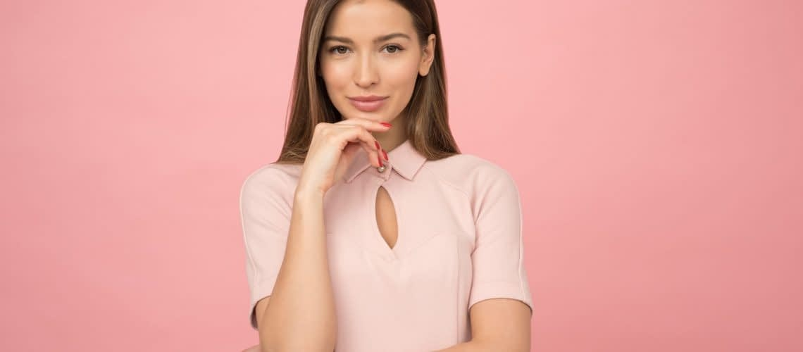Woman wearing a pink top